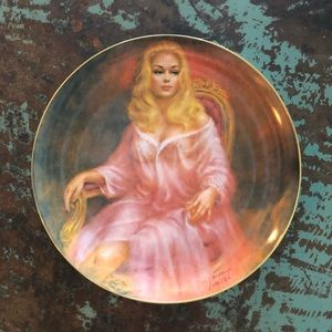 Collectible Pin-Up Plates - artwork by Vincent